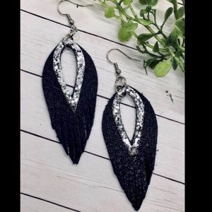 Jewelry - LAST PAIR ✨NEW✨Black Leather Fringe Earrings!